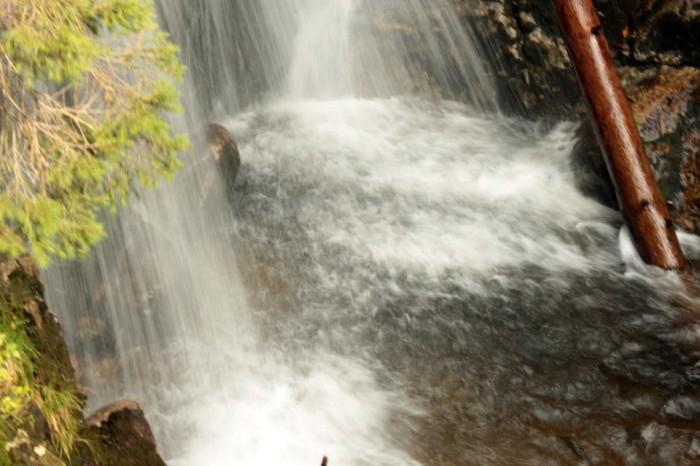 Есенни, силни води...