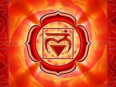 Муладхара със събудена женска енергия означава да осъзнаеш, че материалните притежания не могат да бъдат източник на сигурност и че истинският източник на вътрешната сигурност е на друго място. В тази точка муладхара е устремена нагоре и готова за преход. Жаждата да притежаваш се е буквално изпарила и е заместена от радостта да даваш на другите, на човечеството, на вселената с чувство на тотална сигурност, защото ти си вселената. Пътят на развитието на муладхара е завършен, чакрата е активирана и е освободен пътят към следващото стъпало на вътрешното развитие.